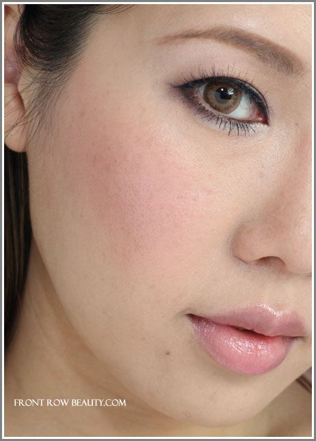 les-tissages-de-chanel-blush-duo-tweed-effect-pink-swatch