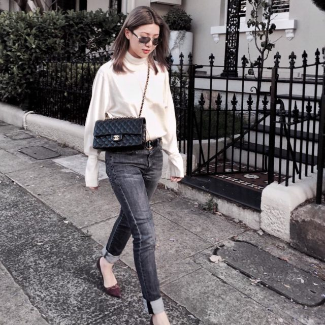 Running errands non-stop ‍#ootd #mylook Sweater #uniqlojwanderson Sunnies #Chanel Shoes #Prada Jeans #R13 Bag #ChanelClassicFlap ... ... #mylook #instalook #luxuryfashion…