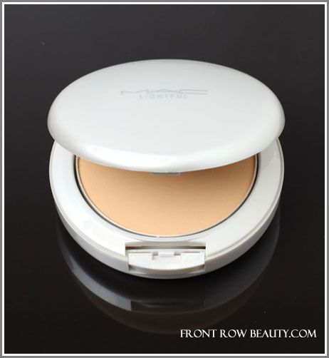 mac-lightful-ultracharge-foundation