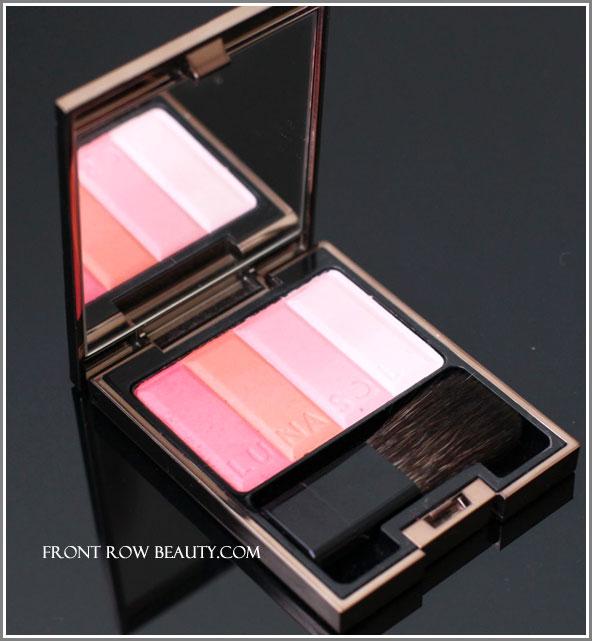 lunasol-modeling-cheeks-corol-pink-red-ex03