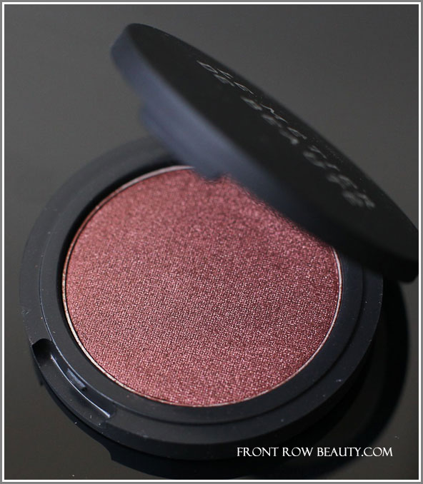 le-metier-de-beaute-true-colour-eye-shadow-bordeaux