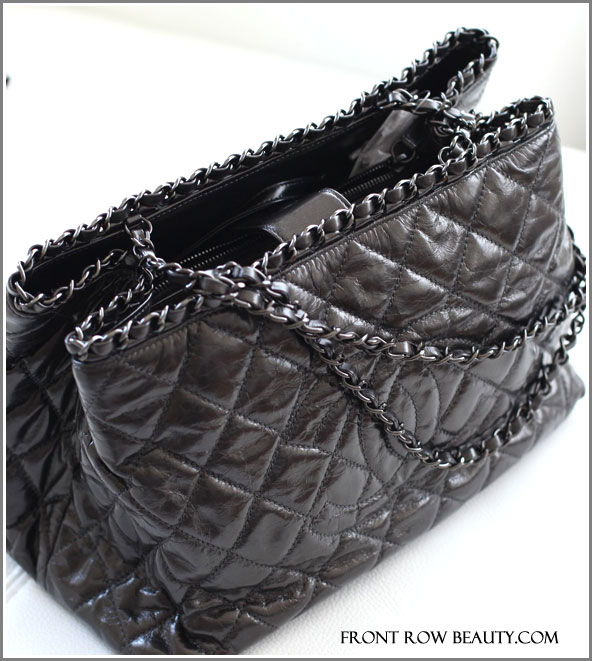 chanel-medium-tote-grey-black-2