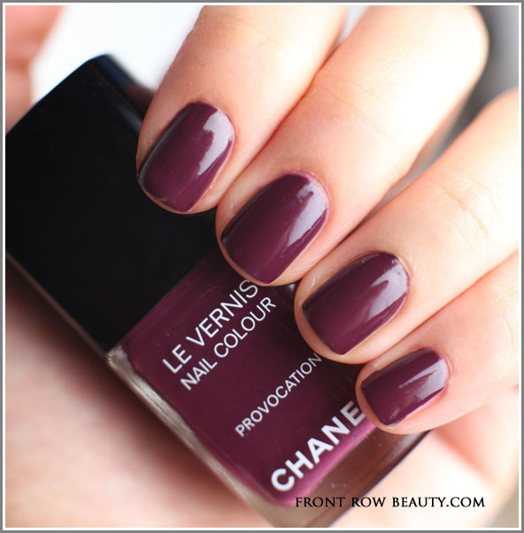 Twin-Sets-de-Chanel-le-vernis-vogues-fashion-night-out-provocation-swatch