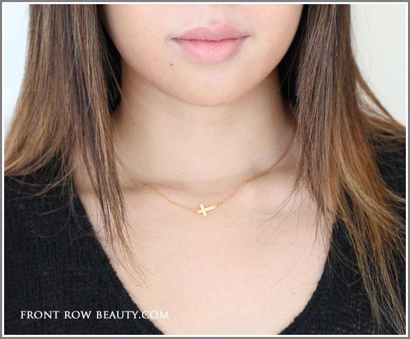 jennifer-Zeuner-Mini-Horizontal-Cross-necklace-2