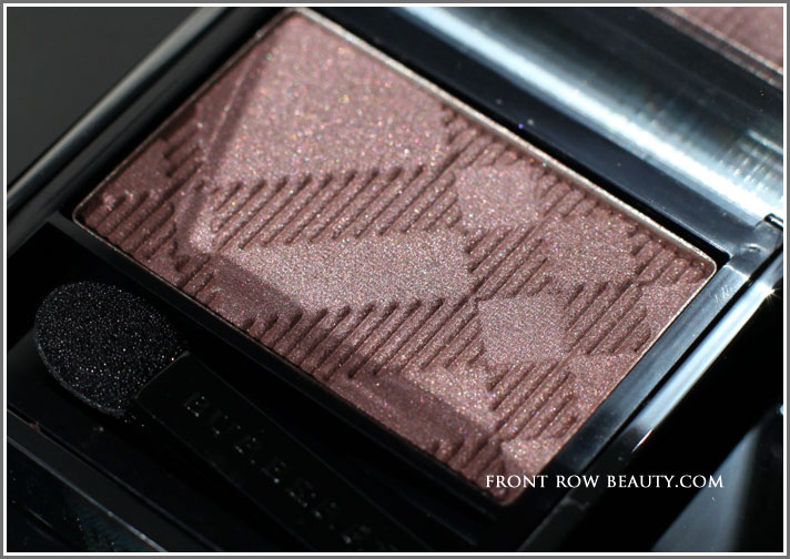 Burberry-Sheer-Eyeshadow-Mulberry-swatch