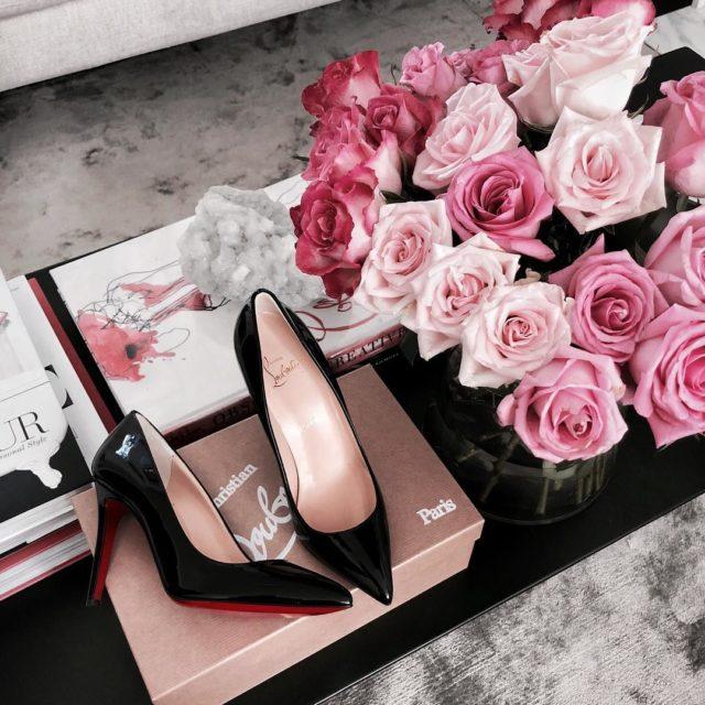 #newin #louboutinheels ❤️❤️#shoelover #shoeaddict #classic #christainlouboutin #louboutinworld #homesweethome #freshblooms #louboutinpigalle #luxe #luxuryfashion #luxurystyle
