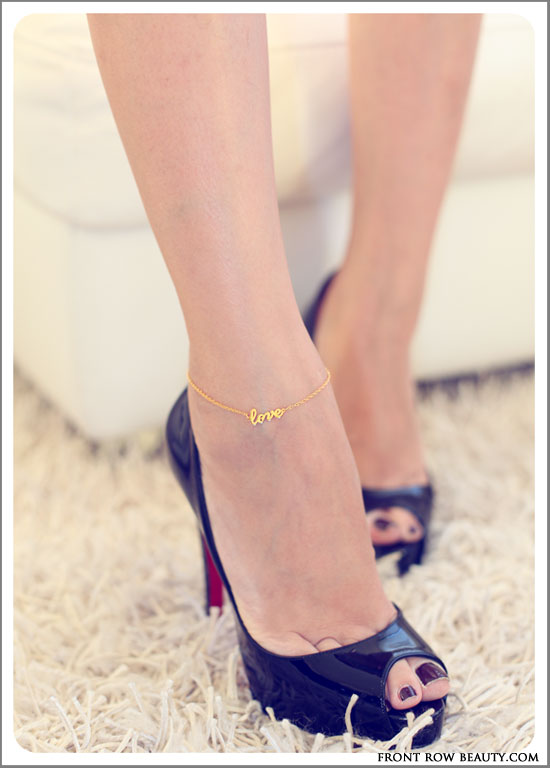 jennifer-zeuner-love-anklet-gold-2