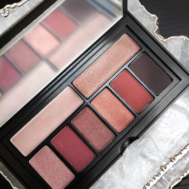So in love with this #smashbox eyeshadow palette - the colors are just right on point The review is up…