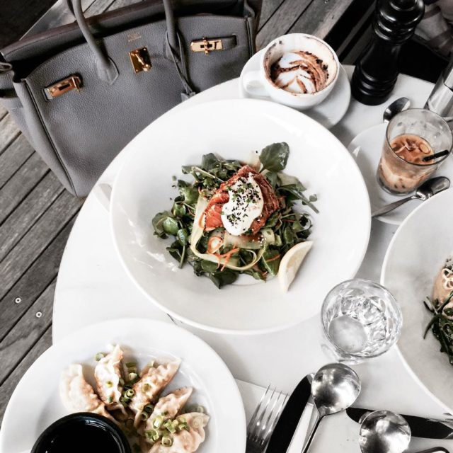 When a plate of salad is not enough you order some gyozas #fromabove #sydneyfood #hermes #hermesbirkin #hermesbag #birkintogo #hermesaddict #luxuryfashion…
