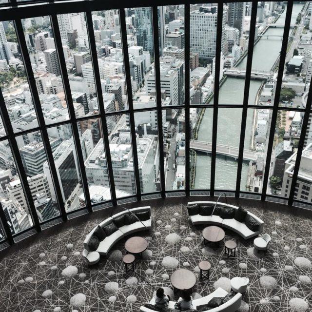 This lobby #conradosaka #conradhotel #mytravel #luxuryhotel #vacay #japantravel #travelgram #architecturelovers