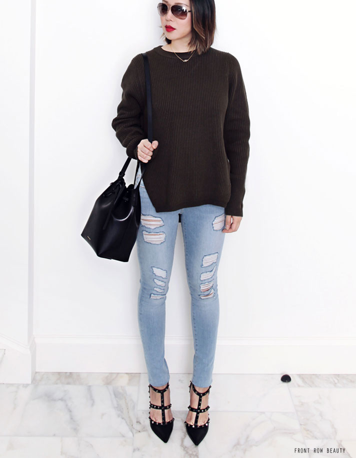 bassike-sweater-knit-frame-denim-le-skinny-de-jeanne-distressed-valentino-rockstud-noir-pump-mansur-gavriel-mini-bucket-bag-ootd-2