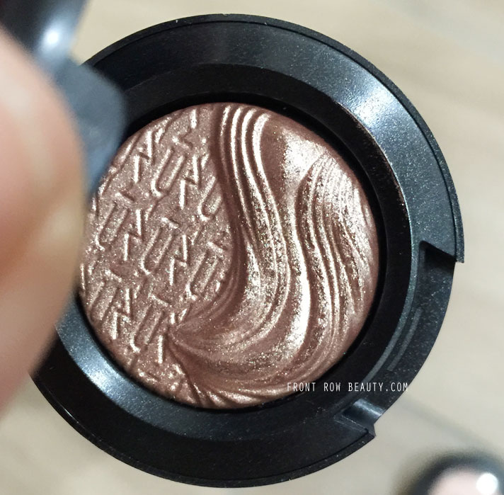 mac-extra-dimension-eye-shadow-sweet-heat-a-natural-flirt-review-swatch-5