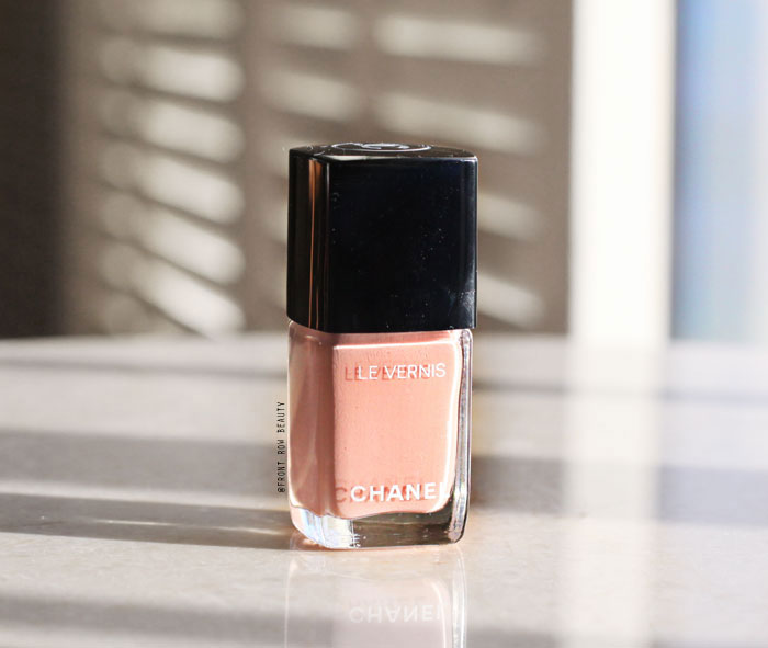 chanel-longwear-nail-color-polish-le-vernis-review-swatch-monochrome-organdi-1