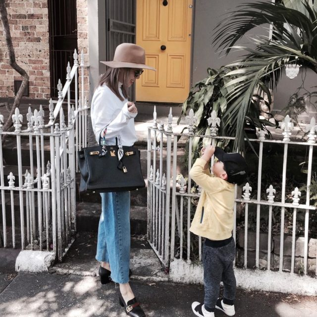 Taking pictures of me with his toy camera everywhere #lookoftheday #birkinblack #birkin35 #hermès #hermesbirkin #hermesbag #blackbirkin #mumlife #cute #hermeslover