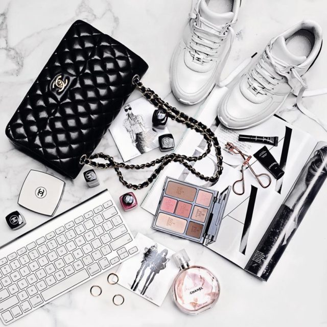 Casual Friday #flatlay #tgif #fromabove #chanel #chanelclassicflap #chanelsneakers #chanelbeauty #luxe #lifestyle #bloggerstyle #blogger #fashionlover