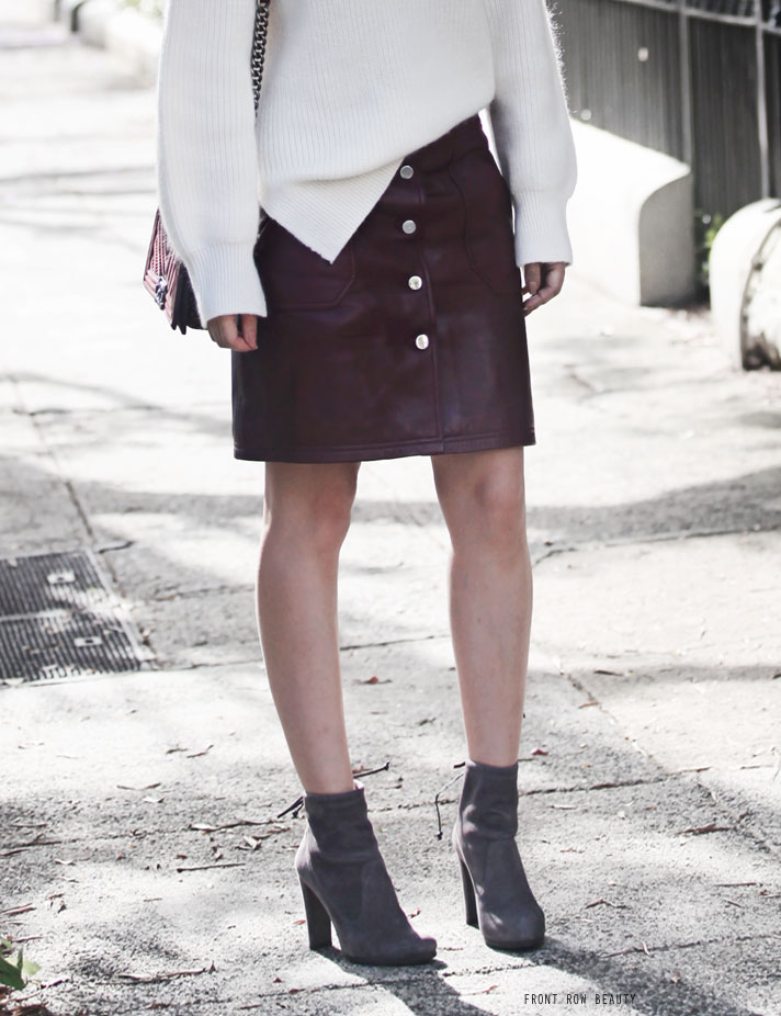 carven-leather-skirt-stuart-weitzman-ankle-boots-mitten-ootd