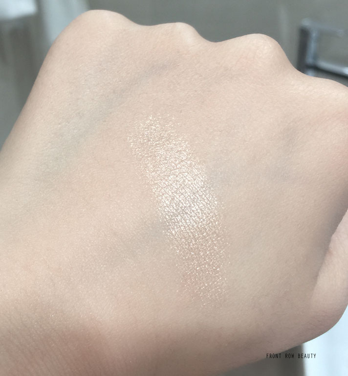 camelia-de-chanel-illuminating-highlighting-powder-2016-2017-review-swatch-3