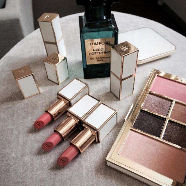 #tomfordboysandgirls #ilovetomford #myweakness #lipsticklover #lipstickjunie #newin #makeupaddict #bblogger #tomfordbeauty #tomfordmakeup #luxurybeauty #beautyflatlay